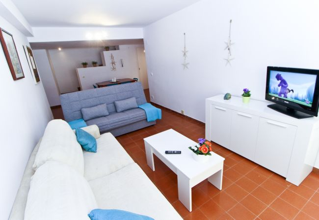 Apartamento en La Pineda - TURISMAR - DELFINES